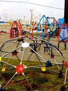 Parque infantil instalado por Playtime en Colon de GameTime