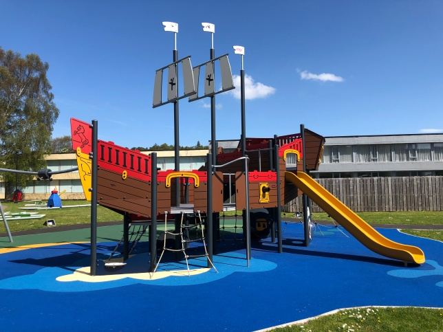 epdm caucho granulado superficies parques infantiles panama EPDM
